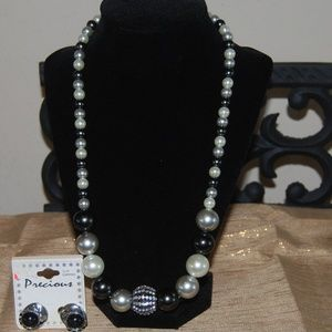 "Jewelry - 21"" necklace with silver and black ear rings"